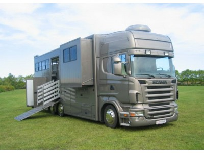 Opbygning af hestetrailere og lastbiler